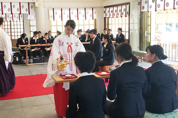 日本の伝統、和の結婚式